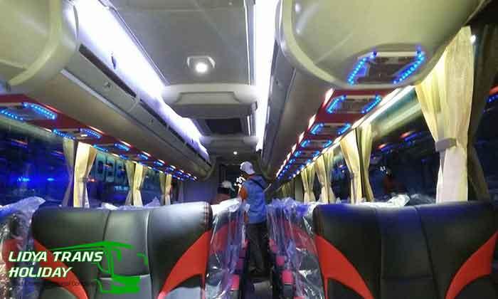 Sewa Bus Pariwisata di Blitar Murah