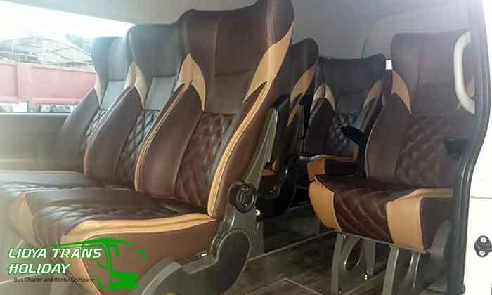 Interior sewa toyota hiace Commuter di Malang murah