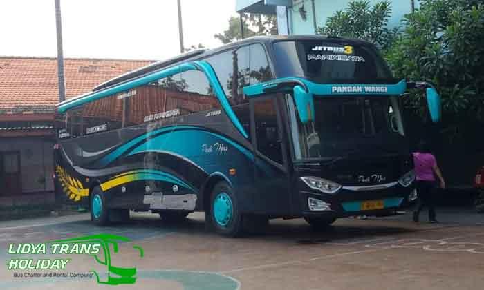 Harga Sewa Bus Pariwisata di Malang Murah
