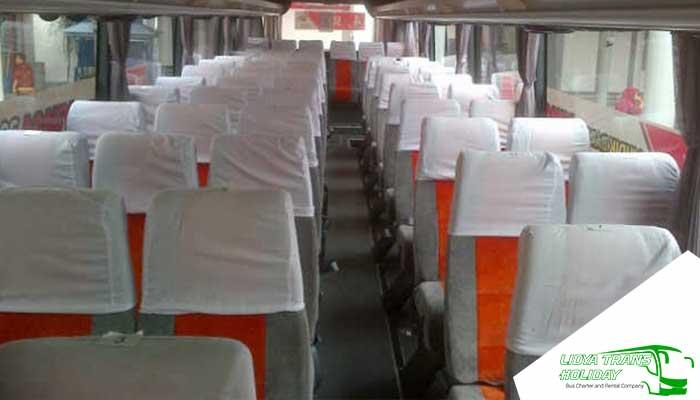 Interior Sewa Bus Pariwisata White Horse di Jakarta Murah Terbaik