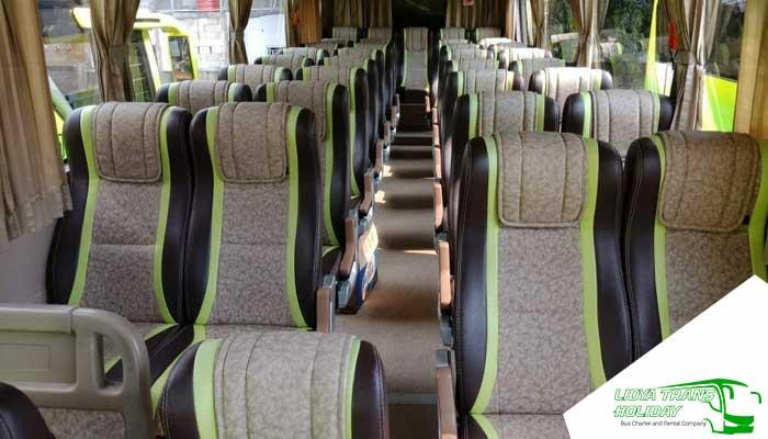 Interior Sewa Bus Pariwisata di Ciamis Murah Terbaik